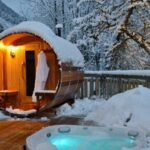 Dspas Barrel Sauna in Snow 600x399 1