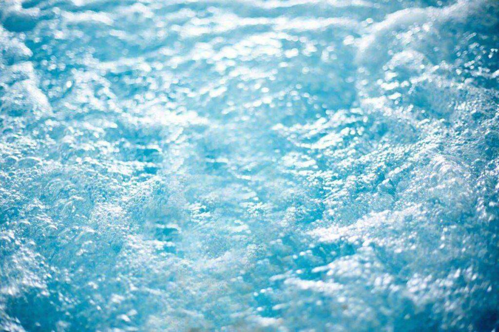 Entretenir l'eau de son spa et jacuzzi