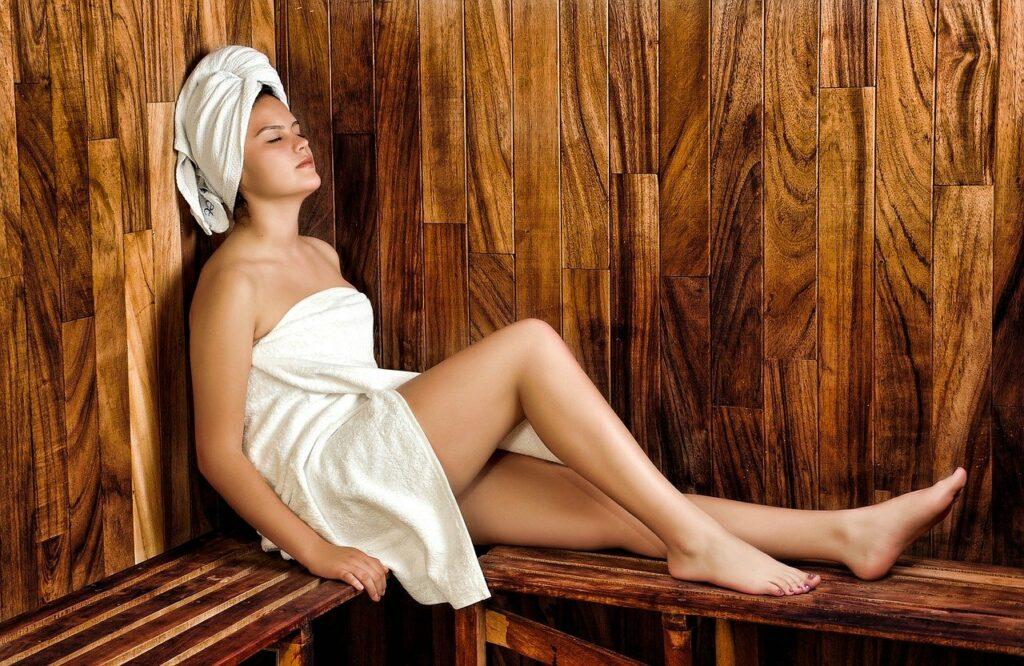 Bienfaits du sauna exterieur en Suisse